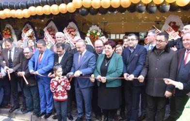 Çan'da Görülmemiş Bir Açılış.Birsen Dirlik Çiçek Organizasyon Törenle Açıldı