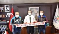 Yeni Çan spor yönetimi Belediye Başkanı Bülent Öz'ü ziyaret etti.